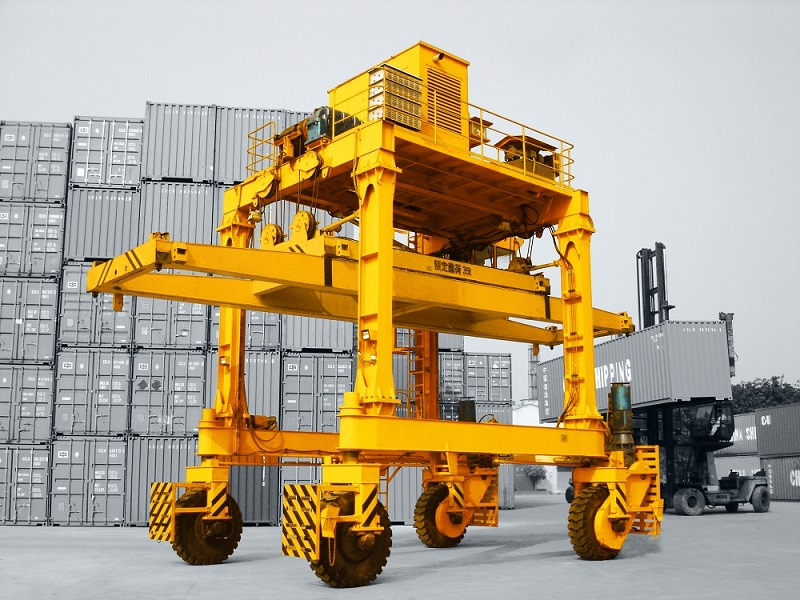 Brief Introduction of Rubber Tyred Gantry Crane (RTG)